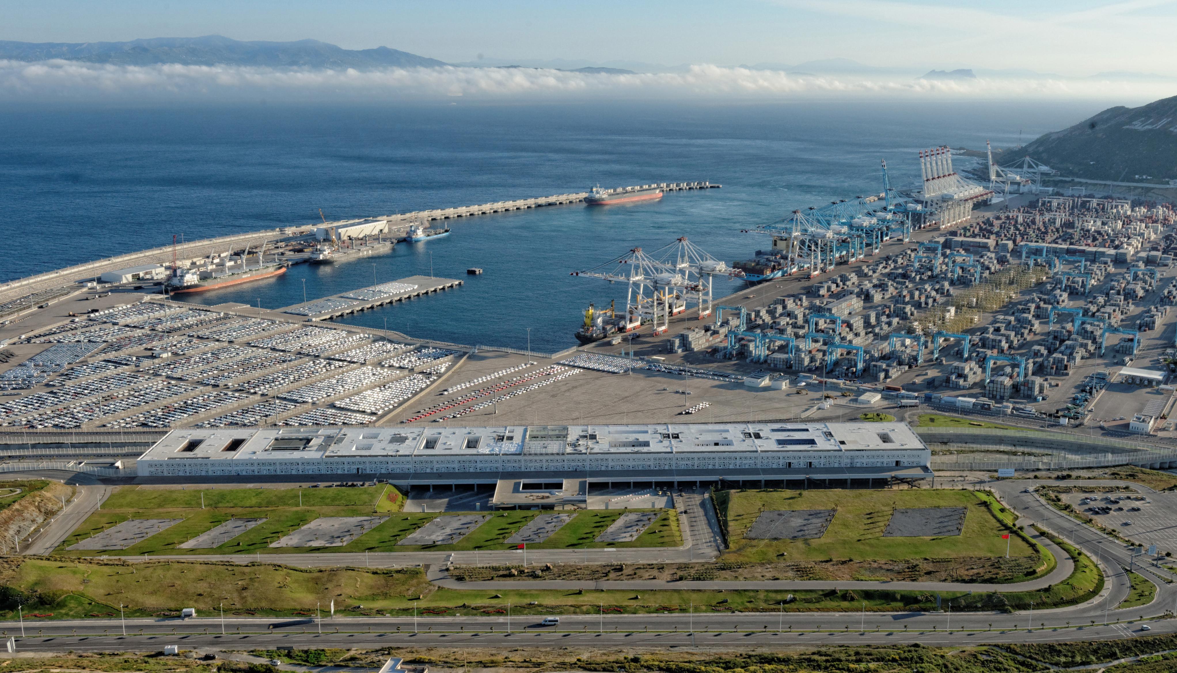 Tanger med le plus grand port conteneurs en afrique fonctionne plein r gime - Le plus grand port en afrique ...